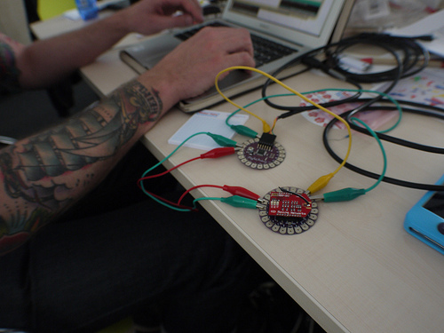 arduino lilypad projects This is a quick tutorial to get you started sewing a simple leds-only circuit using the lilypad arduino simple board you won't learn how to create your own arduino.