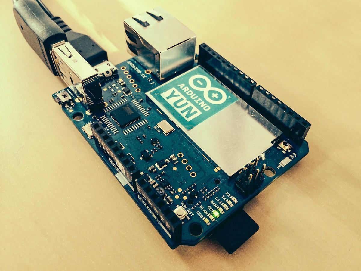 Arduino build an yún powered cat camera