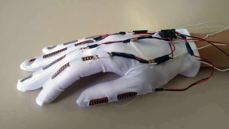 A low-cost robotic hand (tutorial) mirroring your own fingers