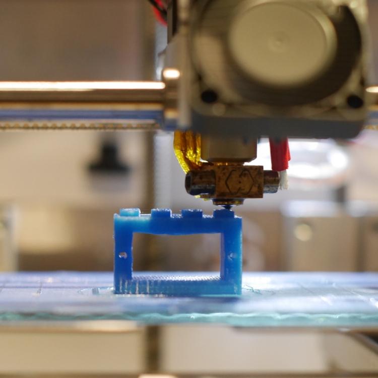 Arduino design a lego compatible servo holder and
