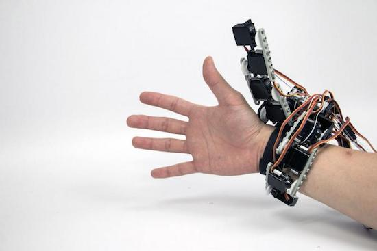 Arduino wearable device gives you an extra robotic hand