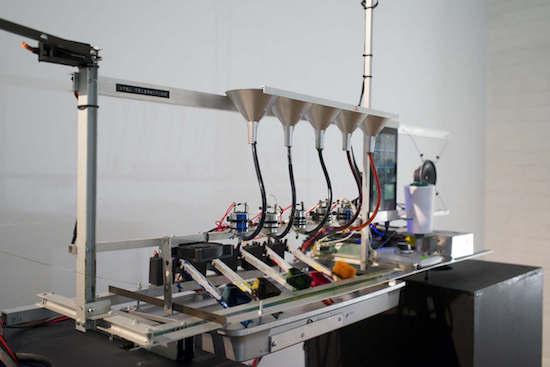 Teleknitting: TV-based string art
