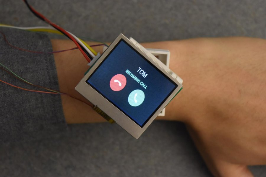 Smartwatch convenience 'moves' to the next level