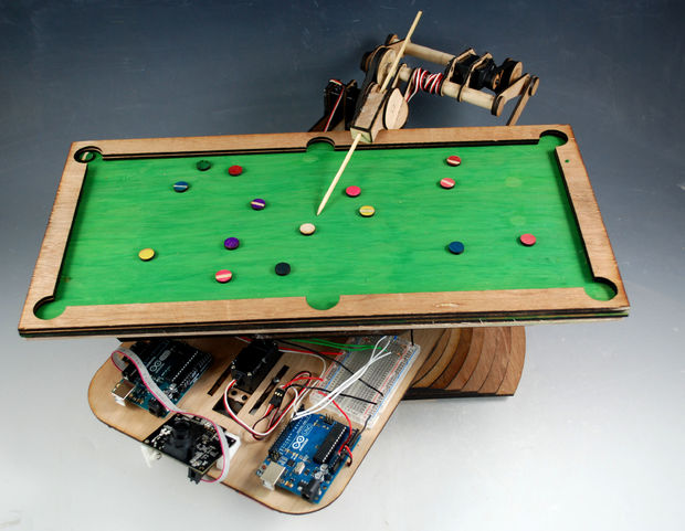 Building a pool-playing robot prototype with Arduino