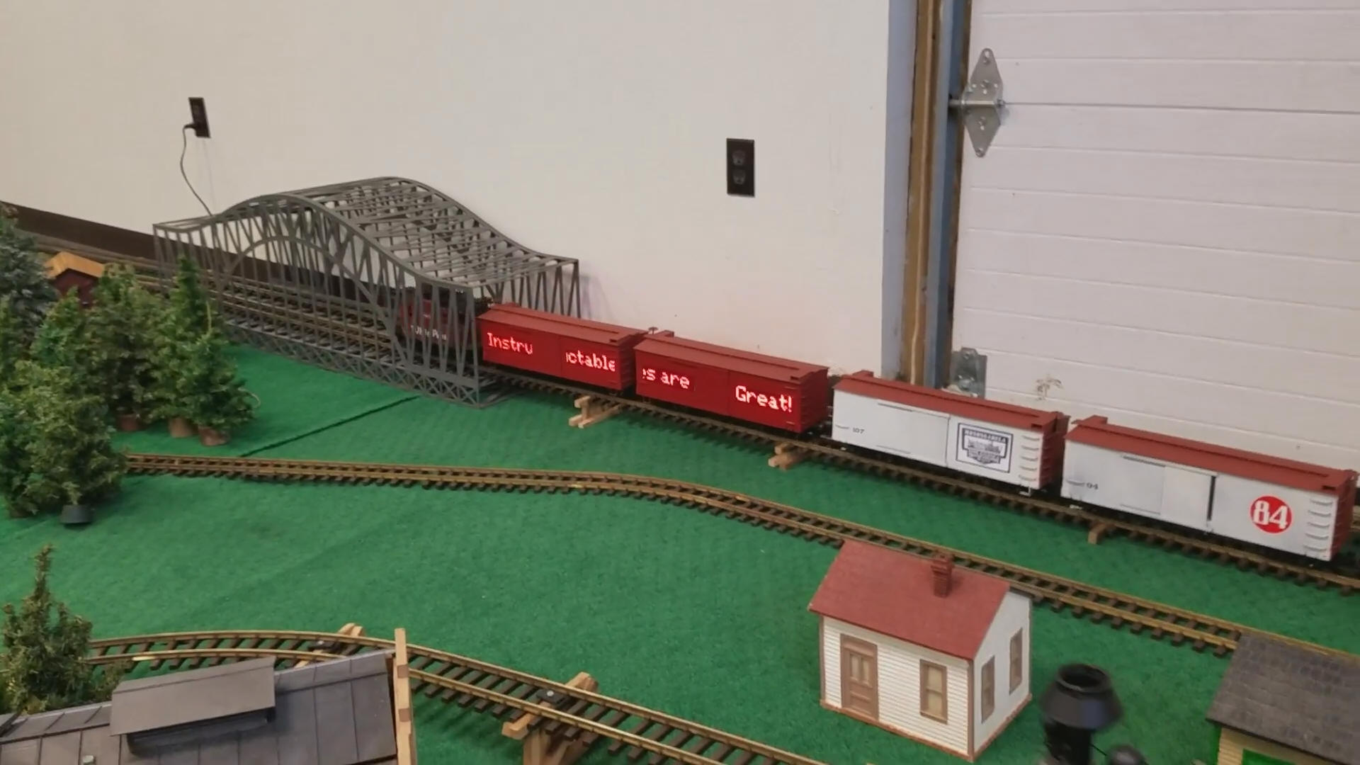 Creating moving, wirelessly-controlled train LED displays with Arduino
