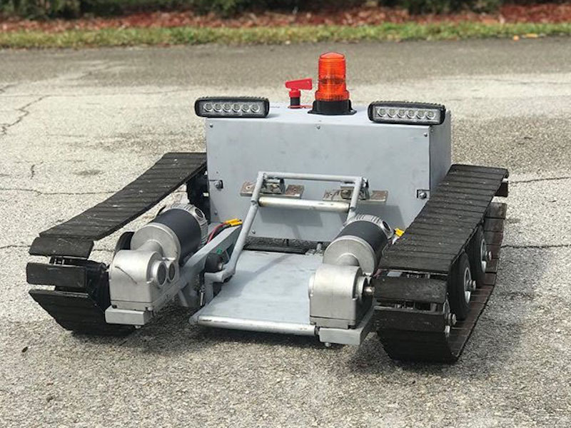 Pull small planes around with this Arduino Mega-based tug