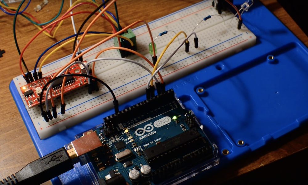 Arduino Blog » An Arduino-controlled turntable for 3D scanning