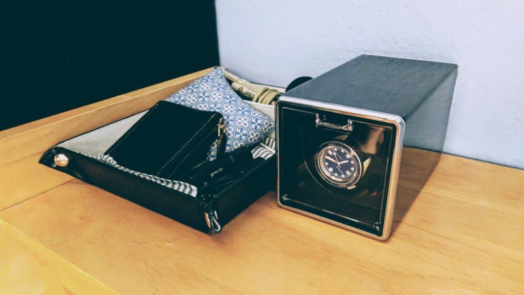 Arduino Blog » Wind your watch cheaply and quietly on your bedside table
